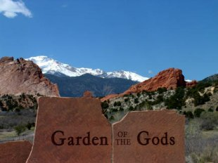 Garden of the Gods-Garden of the Gods in Colorado Springs, Colorado (medium sized photo)