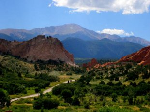 Garden of the Gods-Garden of the Gods and Pike's Peak in Colorado Springs, Colorado (medium sized photo)
