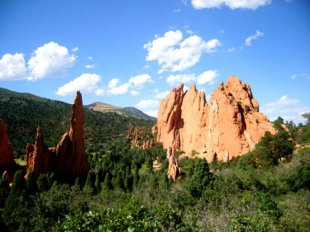 Garden of the Gods-Overlooking Garden of the Gods in Colorado Springs, Colorado (medium sized photo)