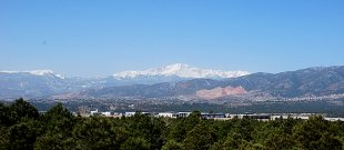 Colorado Springs panorama-Panoramic photo of the western side of Manitou Springs and Colorado Springs, with Pike's Peak in the center (medium sized photo)